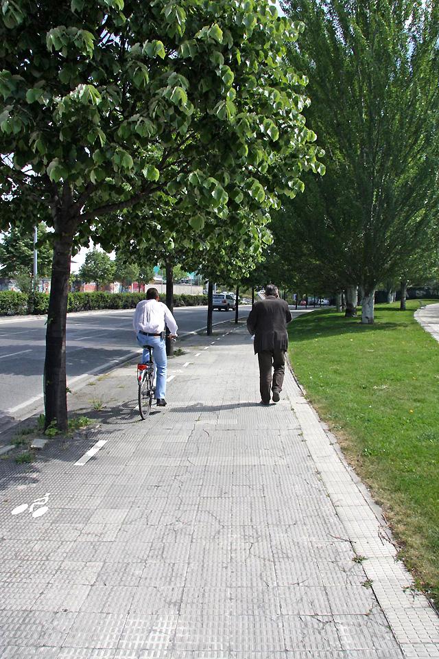 Las bicicletas tendrán 27 kilómetros de aceras para circular por Pamplona