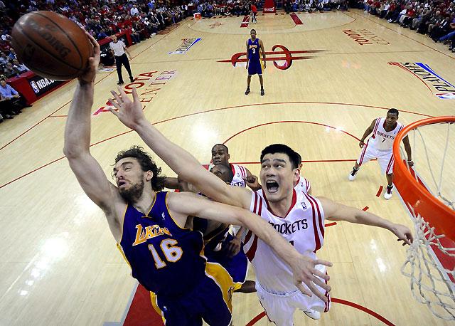 Bryant y Gasol recuperan el factor cancha para los Lakers (94-108)