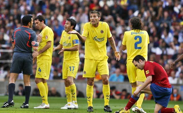 Una proeza con diez jugadores levanta al Atlético