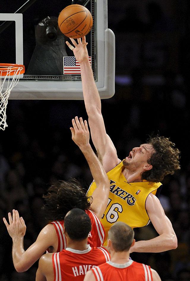 Los Lakers destrozan a Houston (118-78)