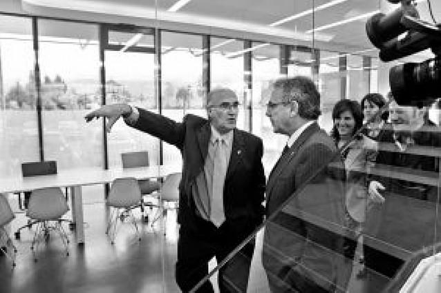 Noáin inaugura su Ayuntamiento transparente