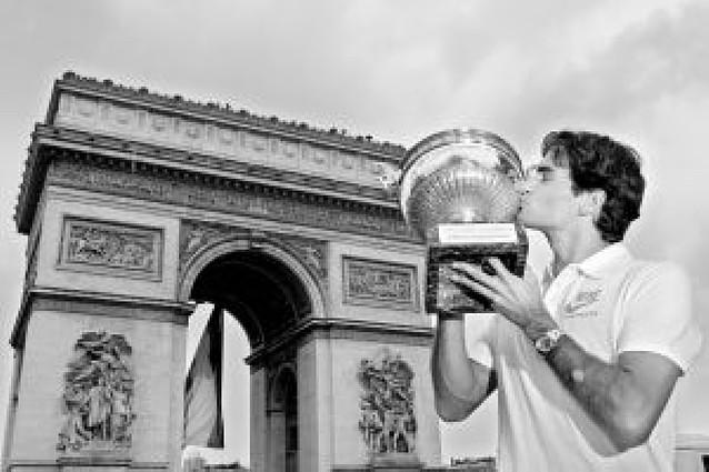 Federer acecha a Rafa Nadal
