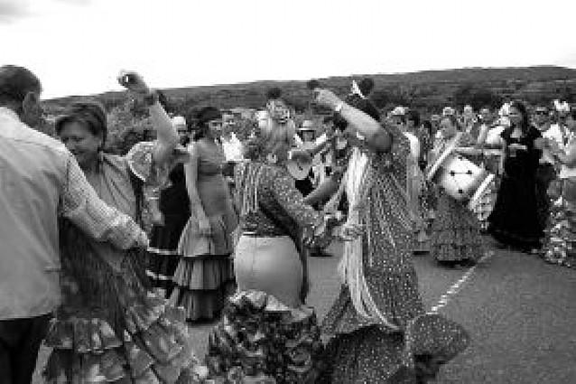 La romería del Rocío de Fitero congrega a más de 200 personas