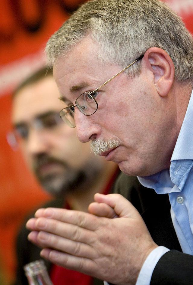 Toxo asegura en Pamplona que CCOO no pedirá reducir las cotizaciones empresariales