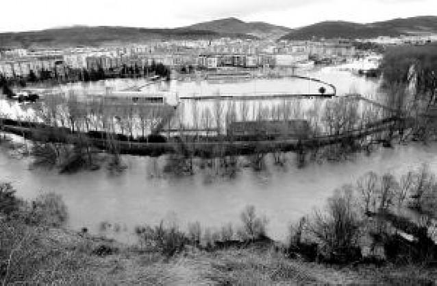 Las piscinas de Burlada abren el sábado con un nuevo vaso olímpico