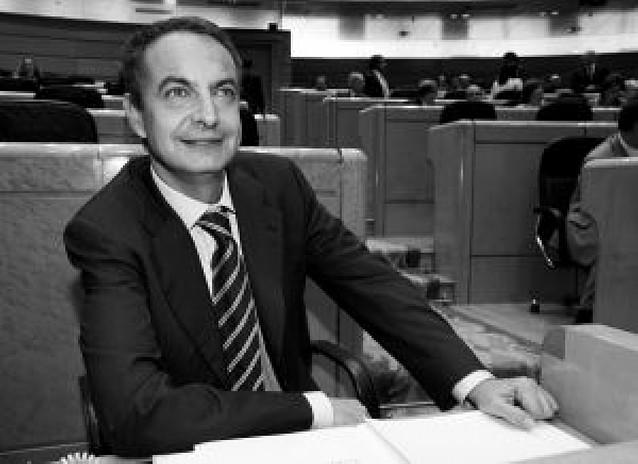 """""""Lo único claro es que ustedes siguen en la oposición"""", responde Zapatero al PP"""