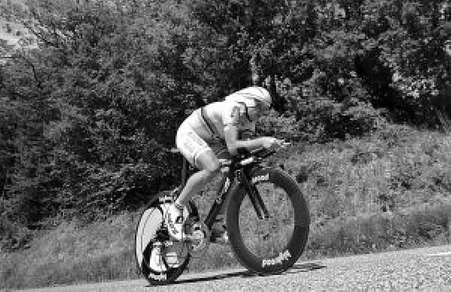 Contador aguanta a Evans en la previa al Mont Ventoux