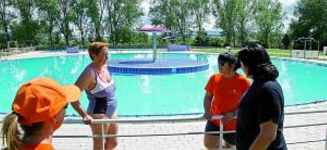 La nueva normativa obliga a doce localidades a remodelar sus piscinas