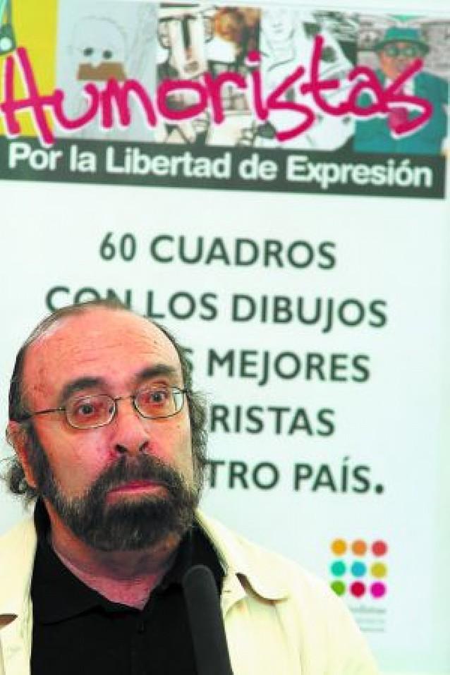 """120 """"dardos"""" contra las mordazas"""