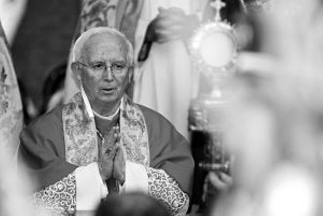 Cañizares se despide como arzobispo pidiendo perdón por sus errores