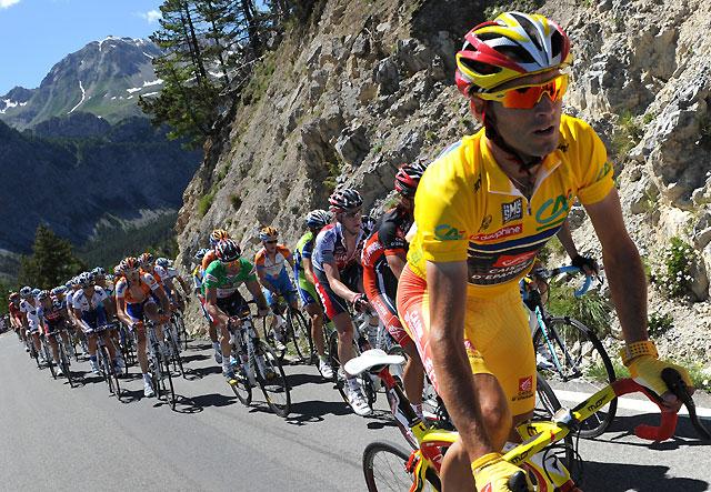Valverde salva la jornada en la Dauphiné y se acerca a la victoria