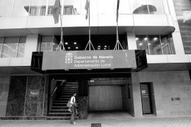 El Constitucional anula el proceso para habilitar como secretarios a los interinos