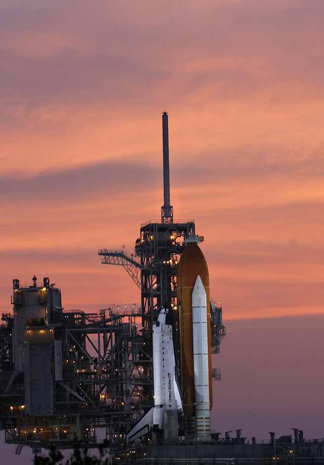 La NASA suspende el lanzamiento del Endeavour por una fuga de combustible