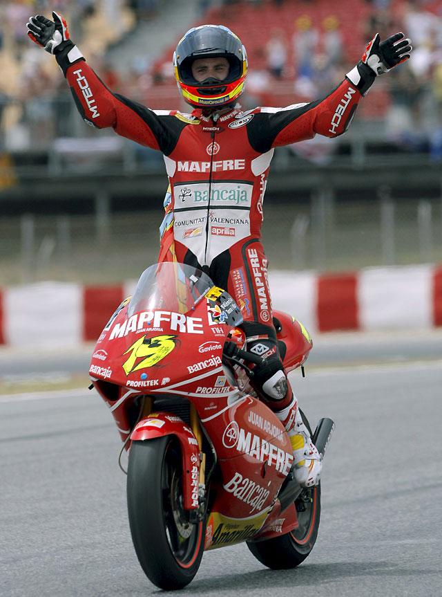 Bautista consolida su liderato en 250 cc