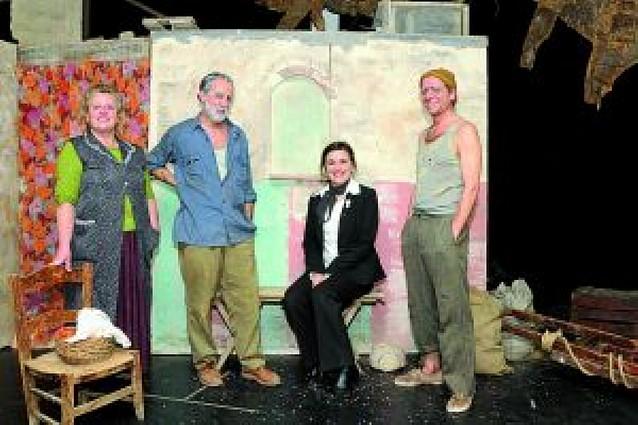 Gabalzeka Teatro celebra su 40º aniversario actuando en Tafalla