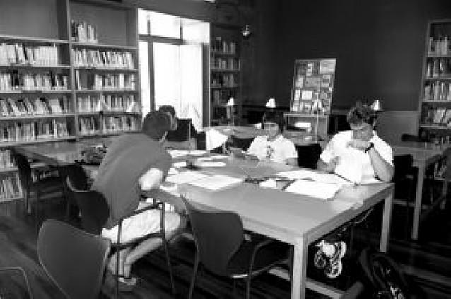 La casa de juventud ofrece una sala de estudio para suplir las tardes sin biblioteca