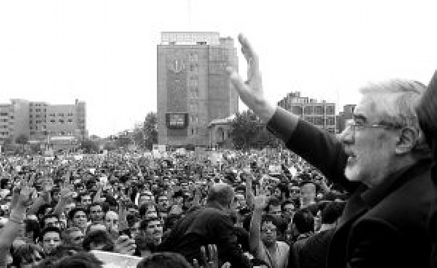 Musavi reaparece en la manifestación por los ocho muertos tras las elecciones en Irán