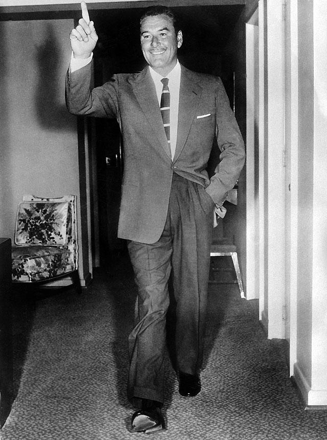 Cien años de Errol Flynn, el clásico dandi seductor de Hollywood