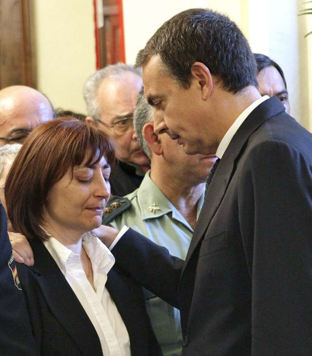 El Parlamento de Navarra aprueba un comunicado de condena con la abstención de NaBai
