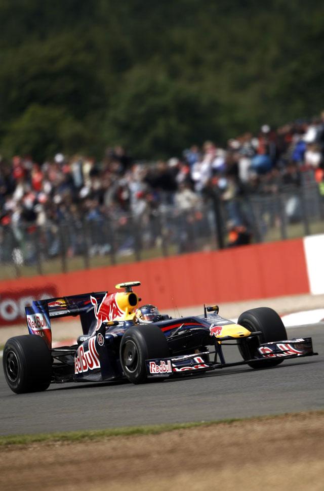 Vettel saldrá desde la 'pole' y Alonso arrancará décimo en Silverstone