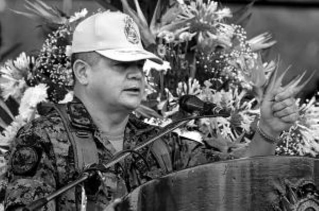 El jefe del Ejército de Honduras, cuestionado