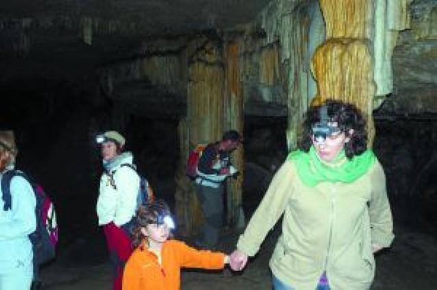 Améscoa muestra su paisaje subterráneo