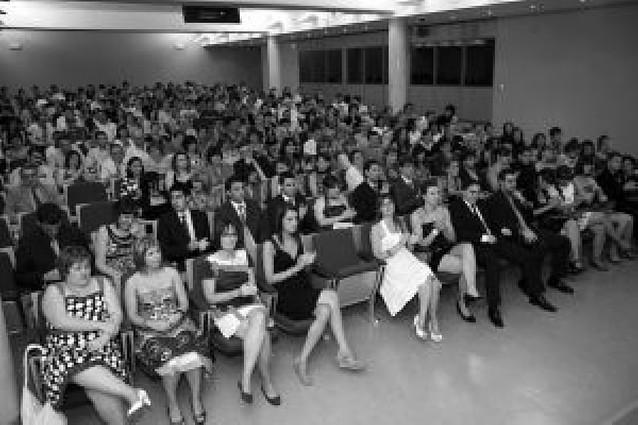 La primera promoción de Fisioterapia de Tudela se diploma con 42 alumnos