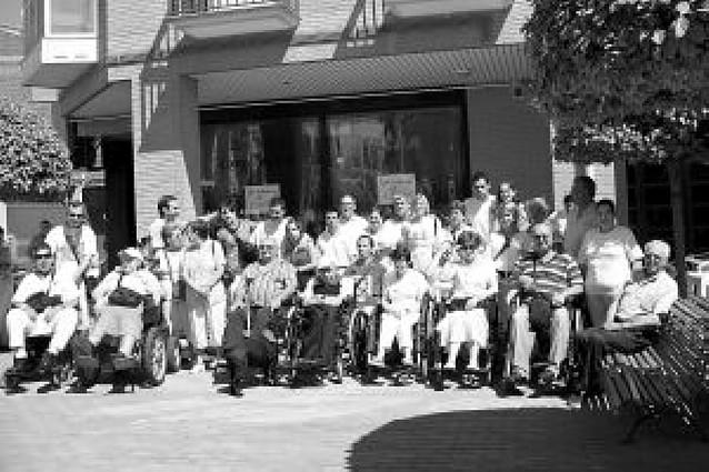 Amife organizó una reunión de sillas de ruedas