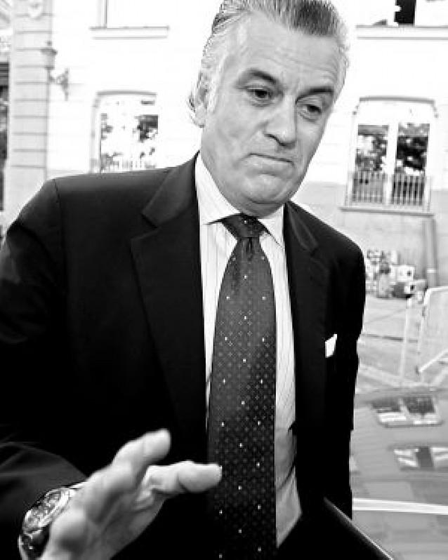 Luis Bárcenas cede ante Rajoy y deja el cargo de tesorero del partido