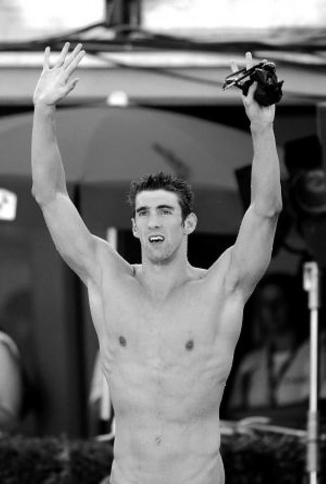 Phelps vuelve a lo más alto con otro récord