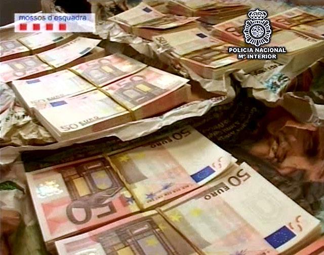 Desarticulada una red que introducía en España 50.000 euros falsos al mes procedentes de Italia