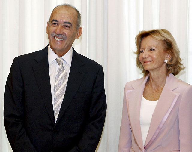"""Salgado asegura que el esfuerzo """"de todos"""" hará que España supere """"su peor crisis"""" económica"""