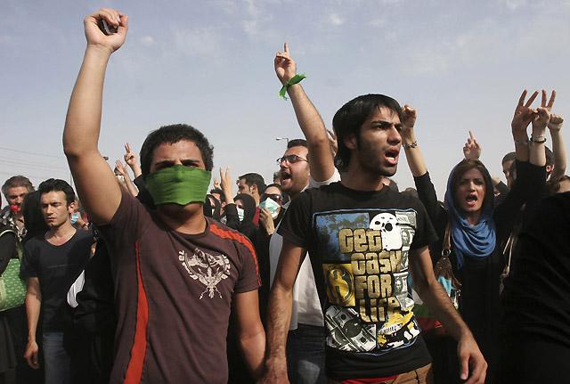 La Policía iraní reprime los actos por las víctimas mortales de las protestas