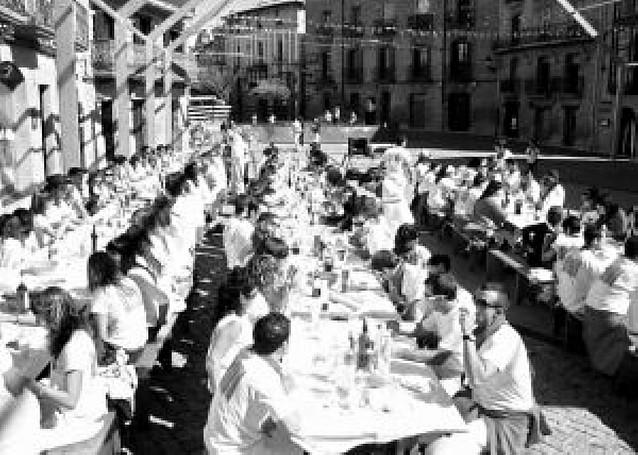 La peña La Nueva de Olite espera afianzar a sus 265 socios para sus segundas fiestas