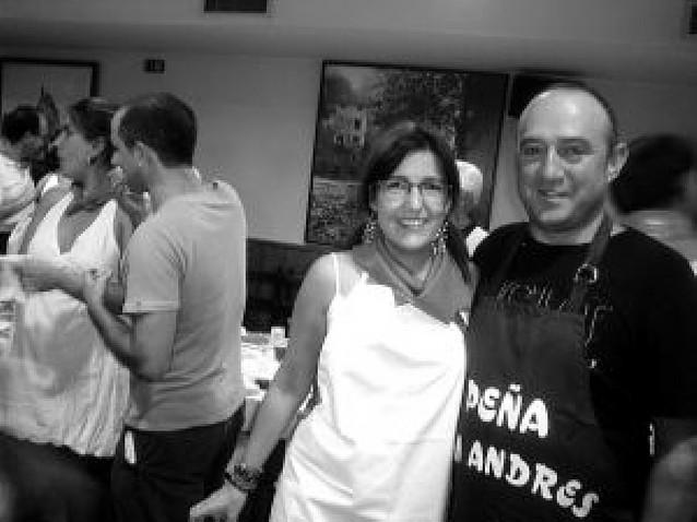 La peña San Andrés recibe mil invitados en el aperitivo
