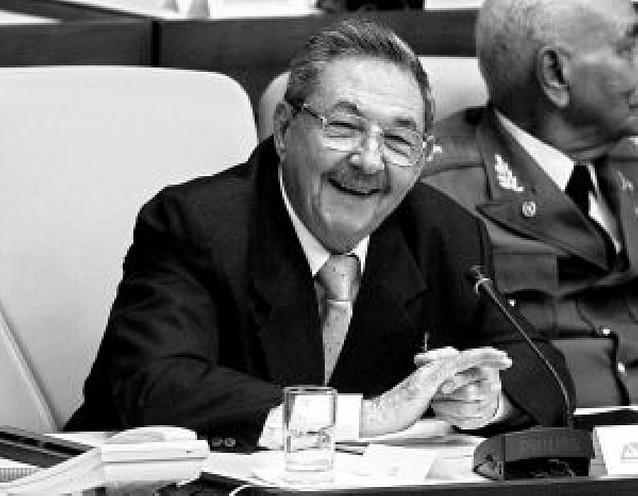 """Raúl Castro pospone un Congreso """"crucial"""" del Partido Comunista"""