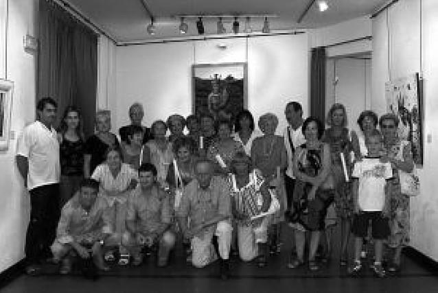 52 artistas tafalleses exponen sus pinturas en la Casa de Cultura