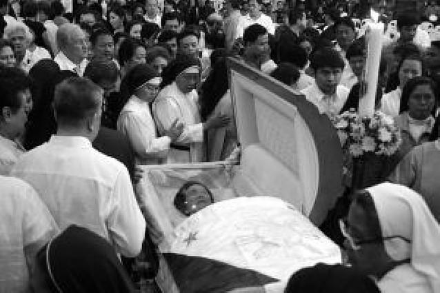 Filipinas despide con lágrimas a la ex presidenta Corazón Aquino