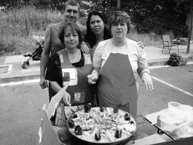 El 39º concurso de paellas de la UDC Rochapea congregó a 300 comensales