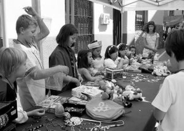 Mendavia exhibe en la calle sus 11 denominaciones de origen