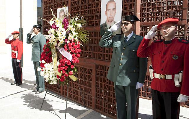 Homenaje en el Parlamento Vasco a los guardias civiles asesinados