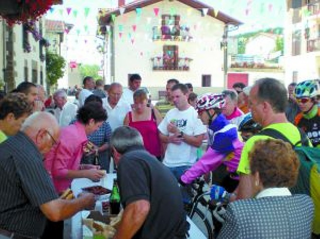 Zubiri organiza su tradicional chistorrada el Día de los casados