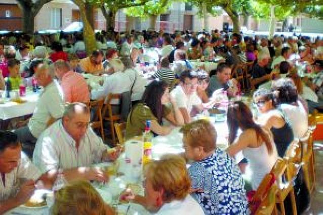 La comida de las fiestas de la juventud reúne a 400 fiteranos