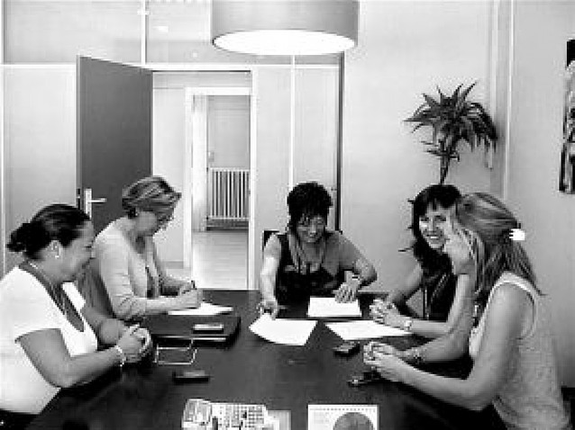 Aspace firma el contrato del centro Ramón y Cajal
