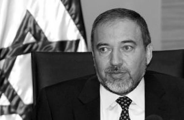 Lieberman dimitirá si resulta acusado