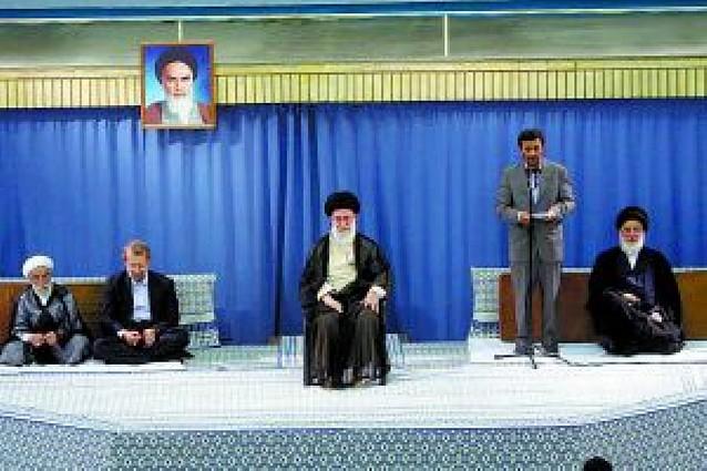 El líder supremo iraní confirma la presidencia de Mahmud Ahmadineyad