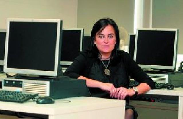 Barcina aplaza hasta final de verano la salida de Cristina Sanz del grupo de UPN