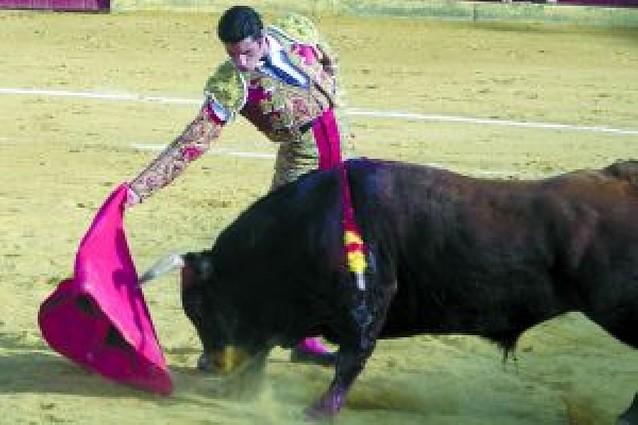 El navarro Javier Antón gana el Piquillo de Oro