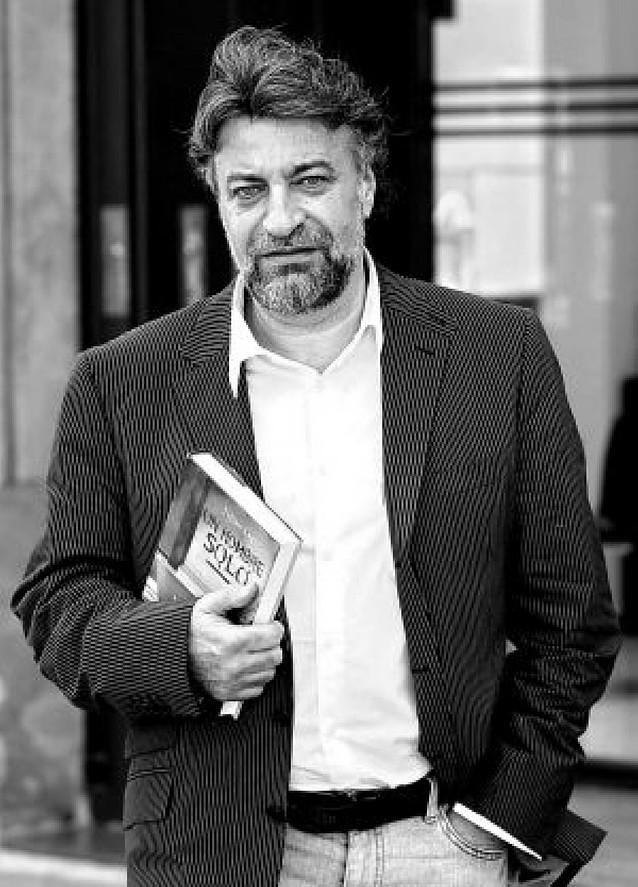 Fallece en Paraguay el periodista Julián Lago