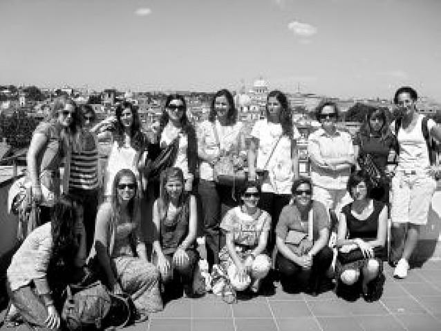 Estudiantes de la Universidad de Navarra asisten al festival de ficción televisiva de Roma